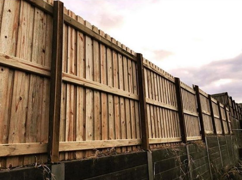 wood fence | softwood vs hardwood blog Featured image
